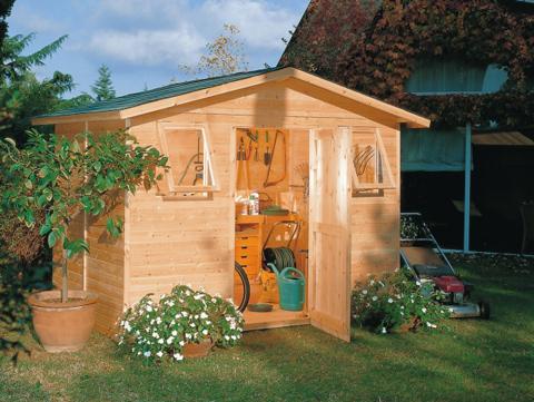 Gli attrezzi da giardino utili per il giardinaggio